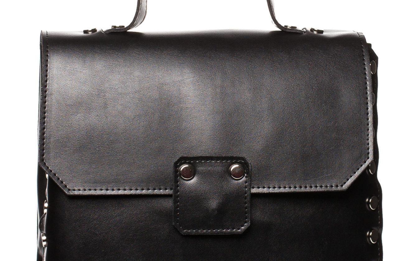 bb339942bd66 Style Bags - Čierna kabelka s uškom a vybíjaním SB417