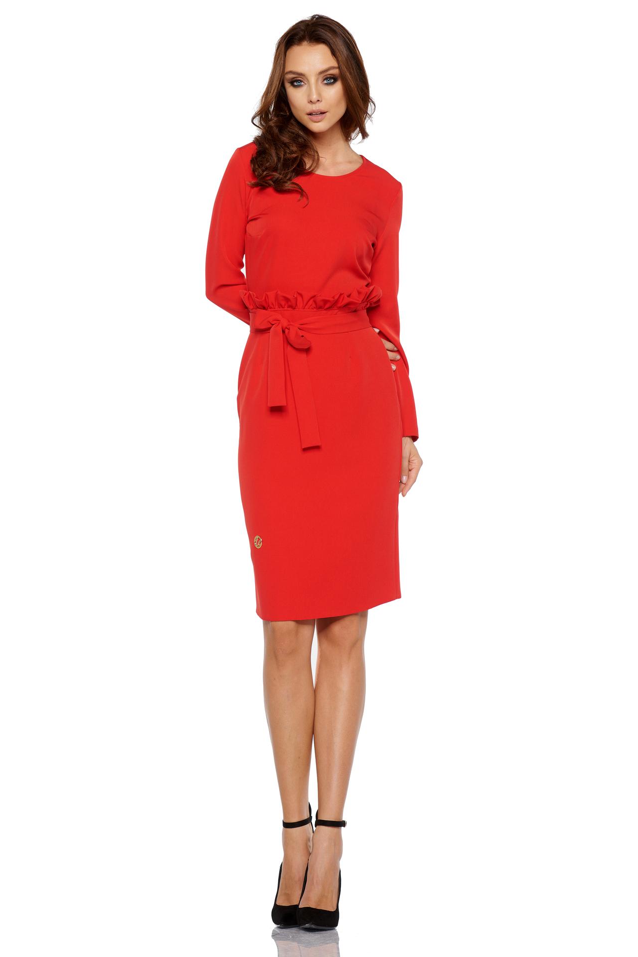 e35219677ae5 Lemoniade - Červené elegantné biznis šaty s opaskom