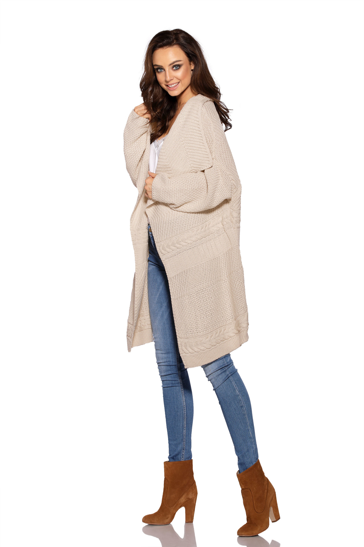 6fc438543824 Lemoniade – Dámsky béžový asymetrický sveter ...